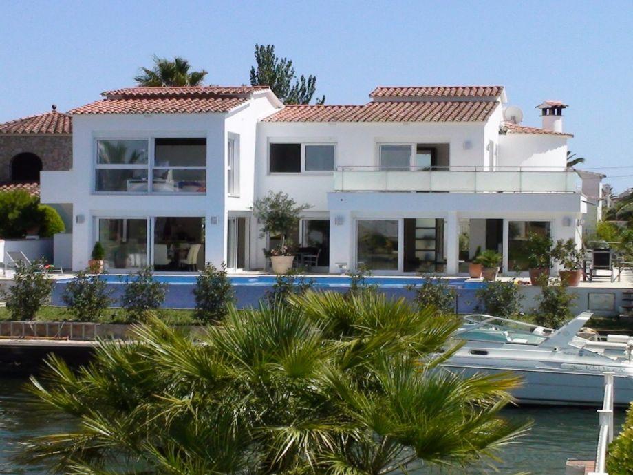 Villa Kingdom mit Pool am Kanal