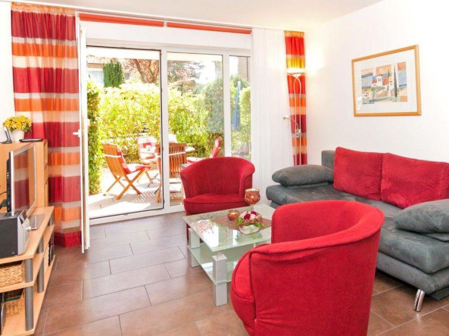 Wohnbereich und Zugang zur Terrasse