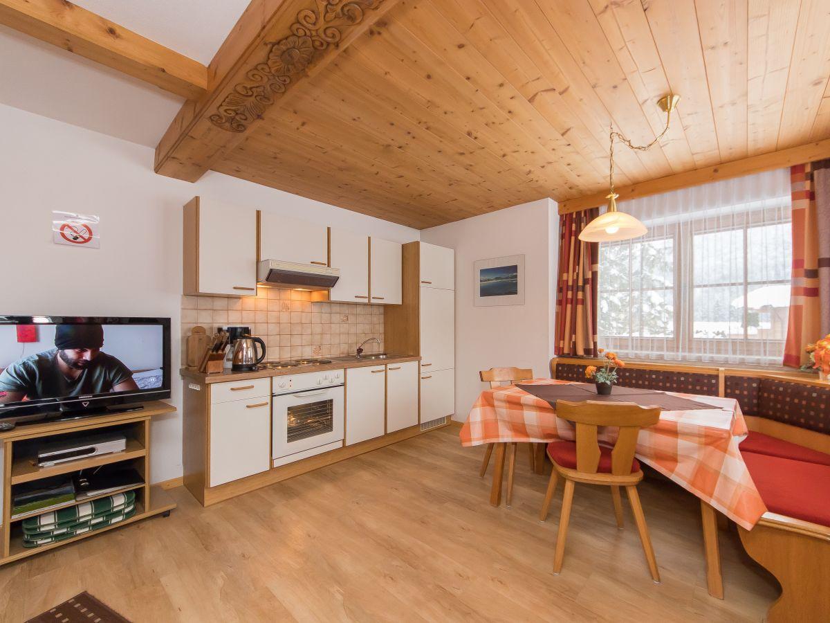 Ferienwohnung simair st ulrich am pillersee familie doris und georg simair - Wohnzimmer mit kuche ...