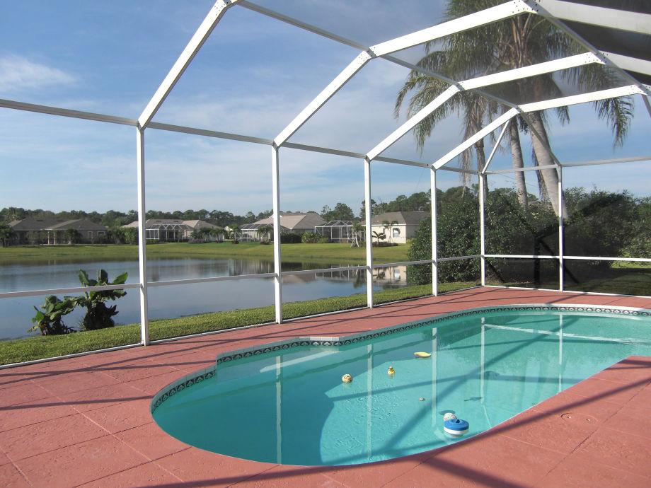 Ferienhaus Villa Palm Lake Garden