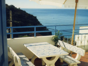 Holiday house Casa Valeria on the seaside