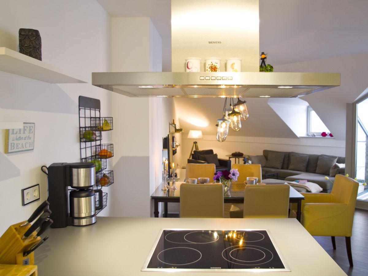 ferienwohnung exklusives turm apartment ostsee fehmarn. Black Bedroom Furniture Sets. Home Design Ideas