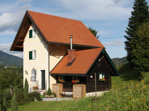"Holiday apartment ""Turmromantik"" in tower house"