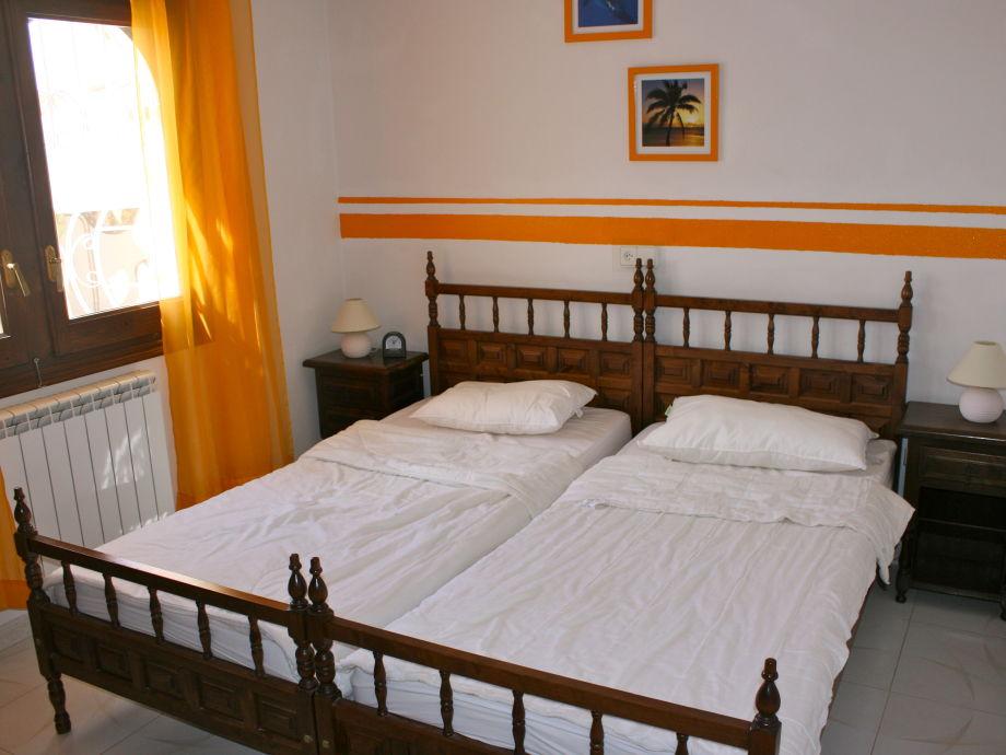 Traum schlafzimmer mit pool  Villa Widmann mit eigenem Pool, Costa Daurada - Tarragona - Miami ...