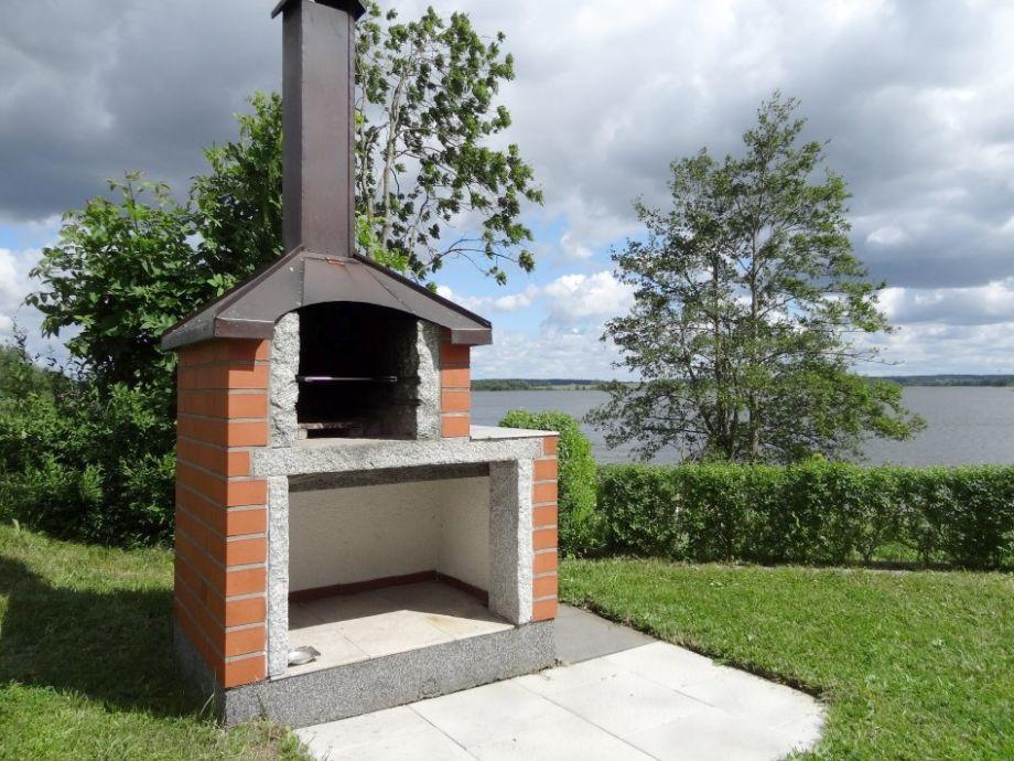 Ferienhaus urlaub mit flair sternberg sternberger for Gemauerter grill