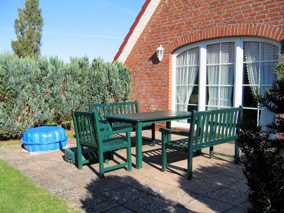 Windgeschützte Terrasse, zum Entspannen
