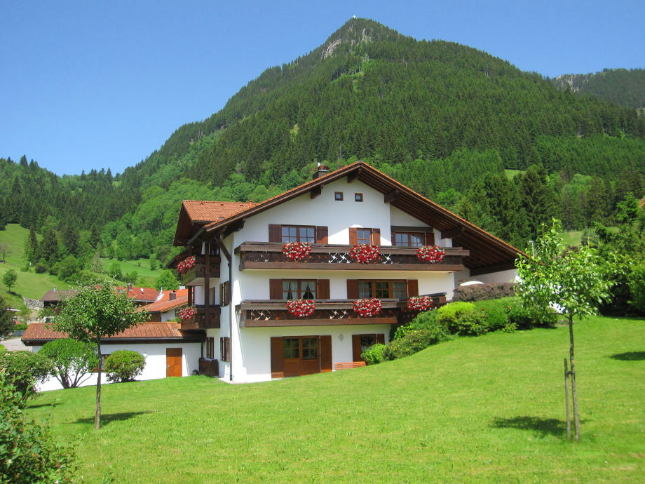 Haus Miesbeck im Sommer