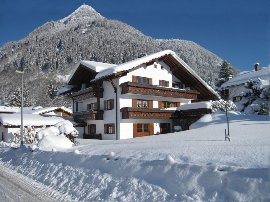 Haus Miesbeck im Winter