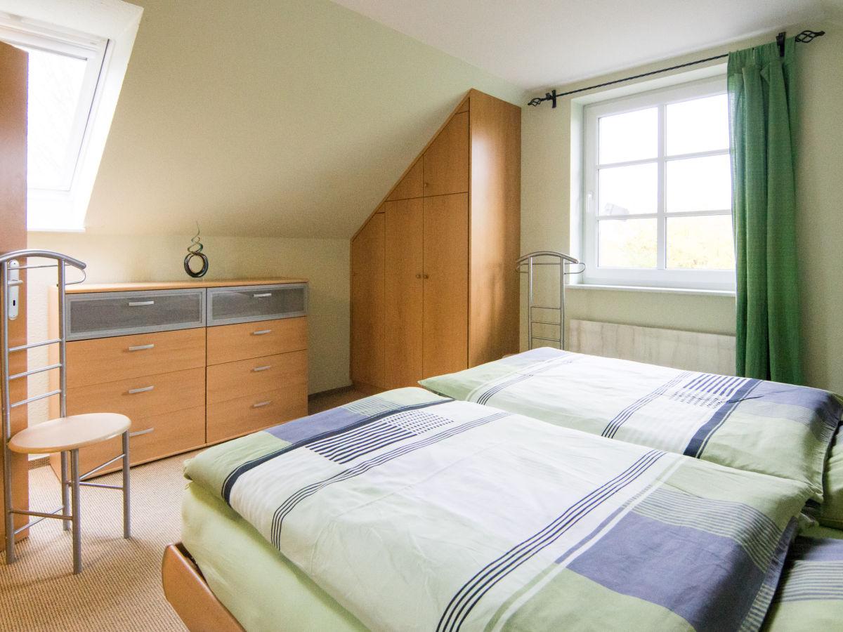 design treppe flur home design ideen. Black Bedroom Furniture Sets. Home Design Ideas