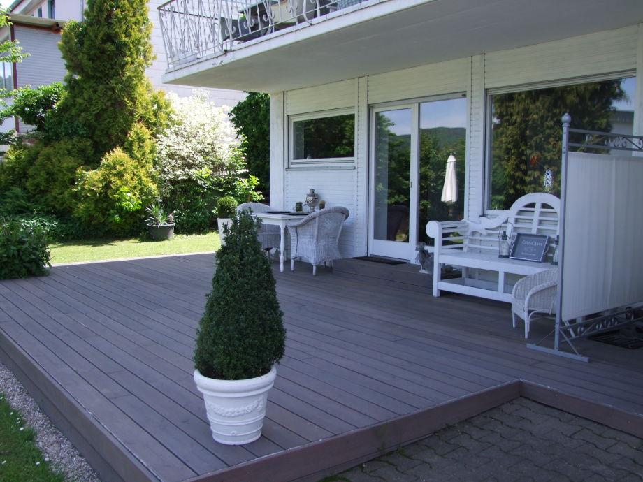 Terrasse mit Blick auf Mosel un Weinberge