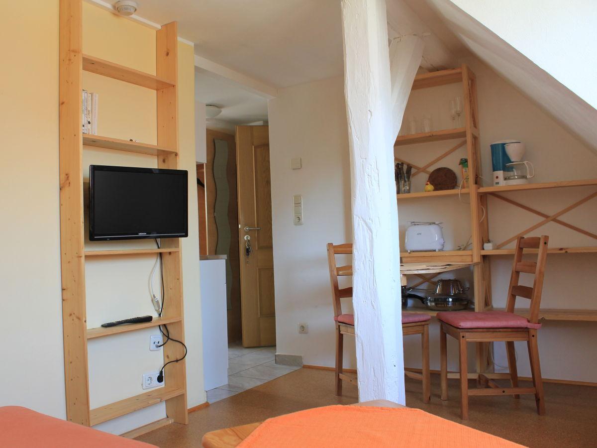 ferienwohnung cleo 39 s hof m ritz firma ferienwohnungen. Black Bedroom Furniture Sets. Home Design Ideas