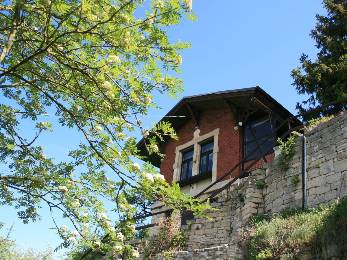 ferienhaus wohnen im weinberg weinregion saale unstrut gebiet firma wohnen im weinberg. Black Bedroom Furniture Sets. Home Design Ideas