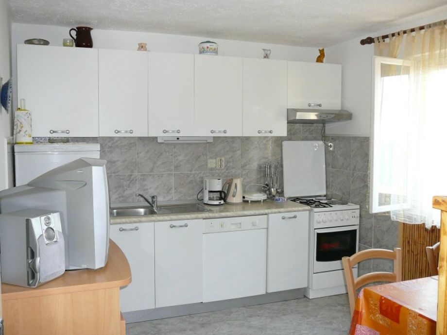 ferienwohnung marija im haus liljana insel brac postira dalmatien frau dina. Black Bedroom Furniture Sets. Home Design Ideas