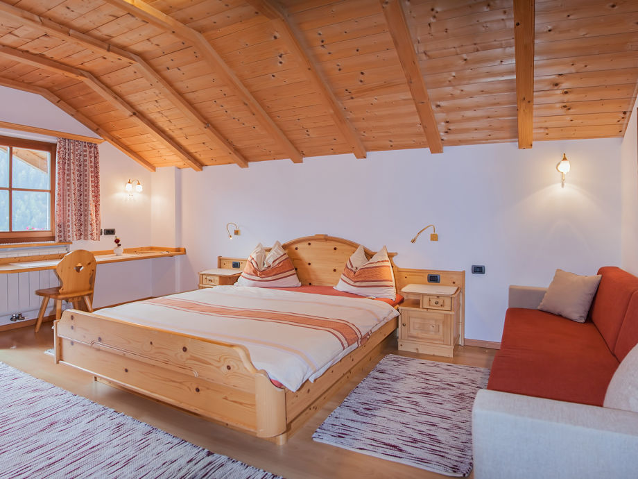 Das Schlafzimmer mit Morgensonne