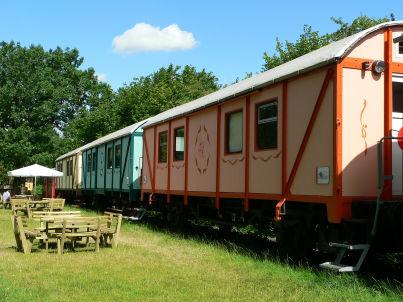 Gleisbauersuite im Bahnwaggon