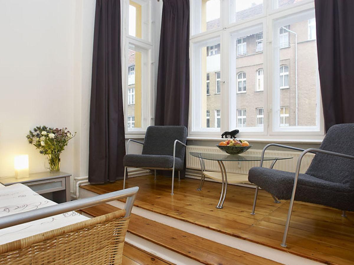 ferienwohnung absolut zentral und gro z gig 2 berlin. Black Bedroom Furniture Sets. Home Design Ideas