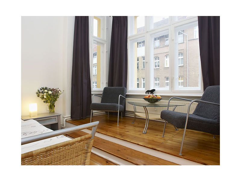 Holiday apartment absolute central located and generously 2!