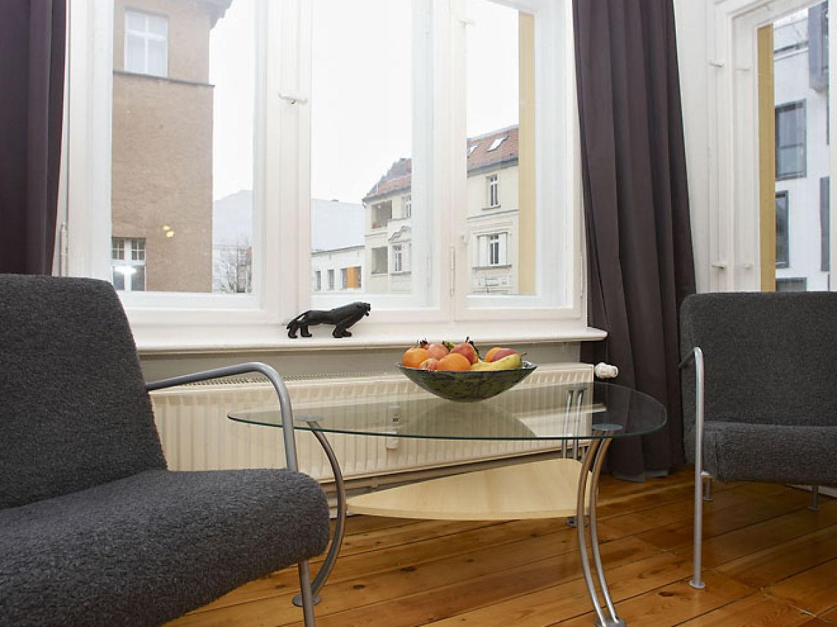 ferienwohnung absolut zentral und gro z gig 2 berlin mitte frau anna felder. Black Bedroom Furniture Sets. Home Design Ideas