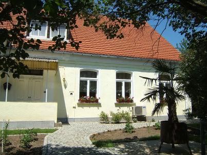 """Wellness-Suite """"Zur Alten Schule"""" Neuburxdorf"""