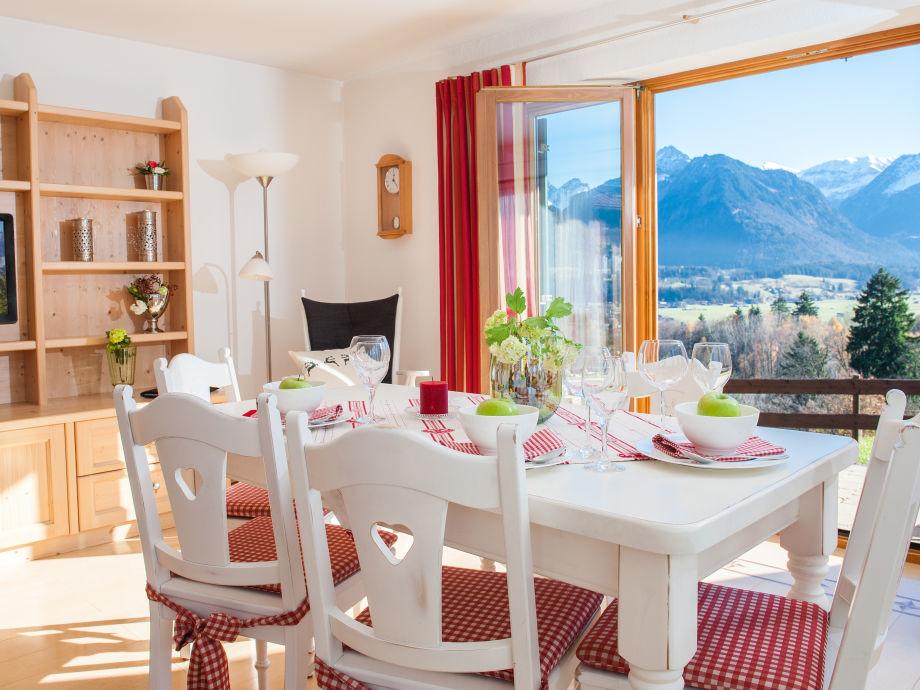 Wohnzimmer mit Traum-Aussicht