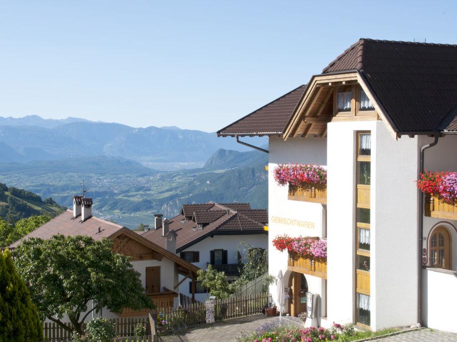 Haus mit Ausblick in den Süden Südtirols