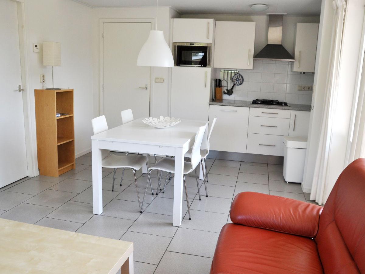 ferienhaus marjan ballum frau marjan bakker. Black Bedroom Furniture Sets. Home Design Ideas