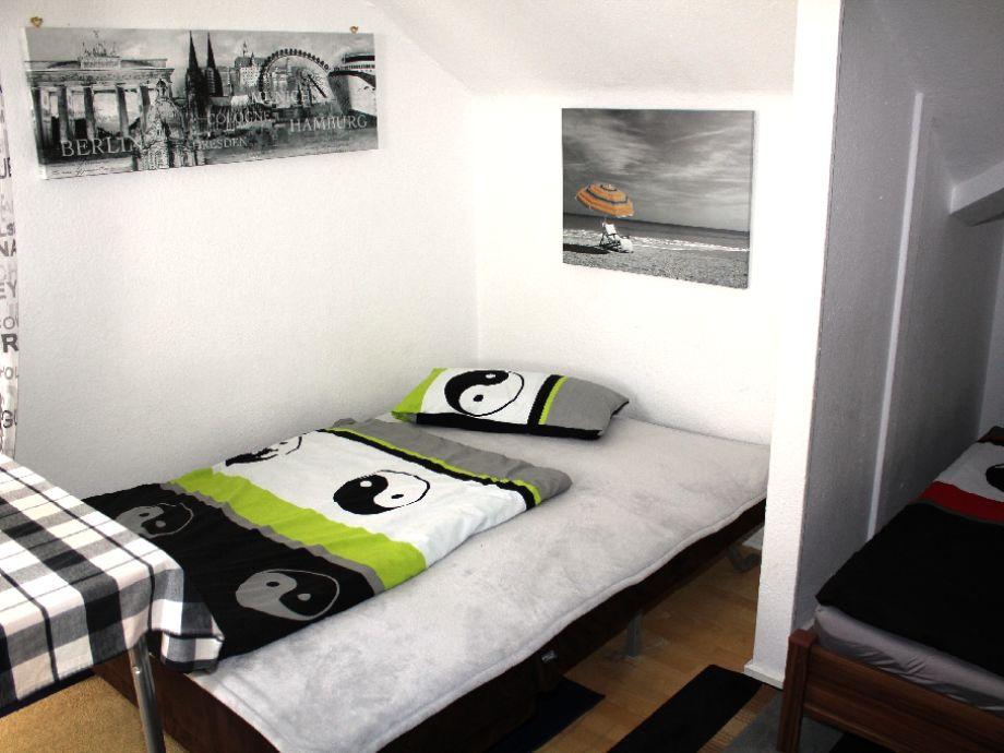 Wohnzimmer in beige braun for Bett yin yang