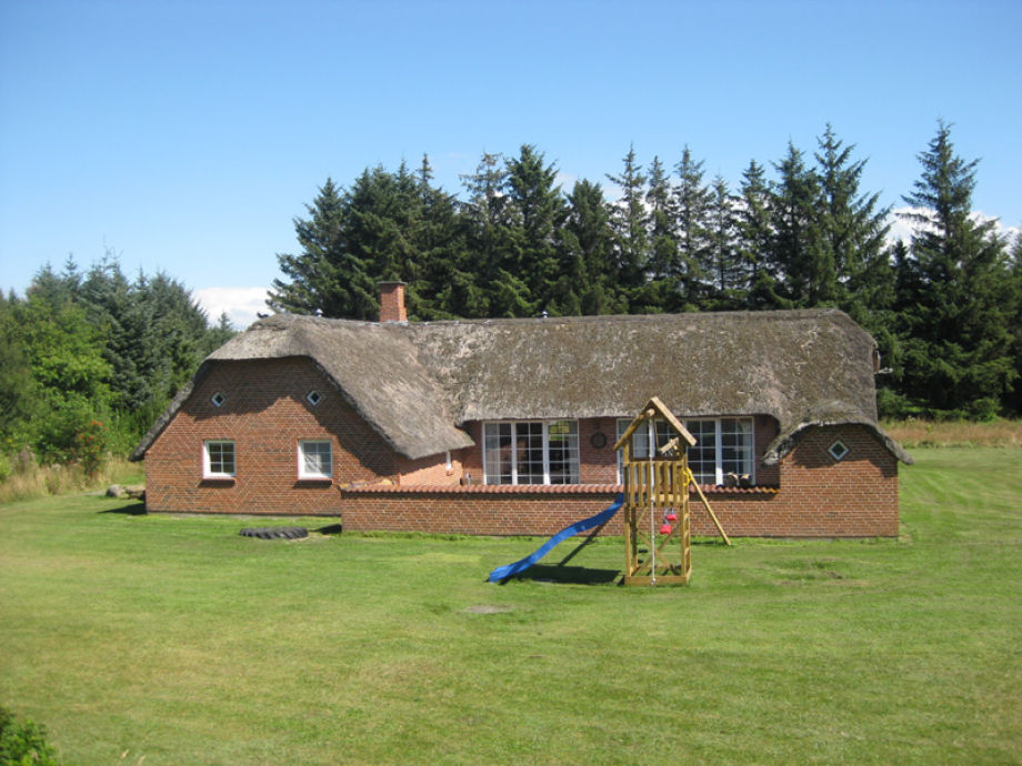 Ferienhaus poolhaus vester husby vester husby bech erling for Gartenpool mit rutsche
