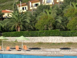 Ferienwohnung Kitrina Spitia direkt am Meer , Balkon mit Meerblick