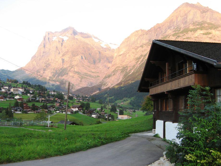 Sicht auf Wetterhorn & Mettenberg