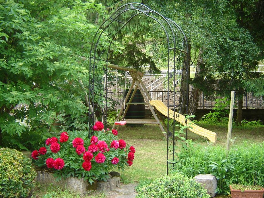 ferienhaus ferienweingut dreiherrenm hle terrassenmosel zeller land zell rheinland pfalz. Black Bedroom Furniture Sets. Home Design Ideas