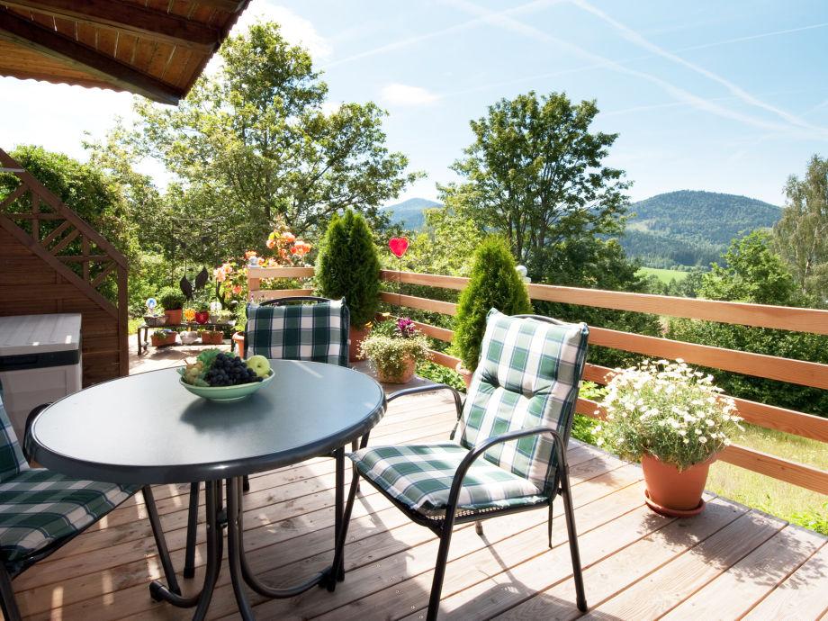 Unsere Ferienwohnung-Terrasse