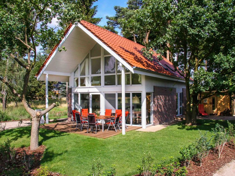 Seeadler mit Terrasse und Beispiel Außensauna