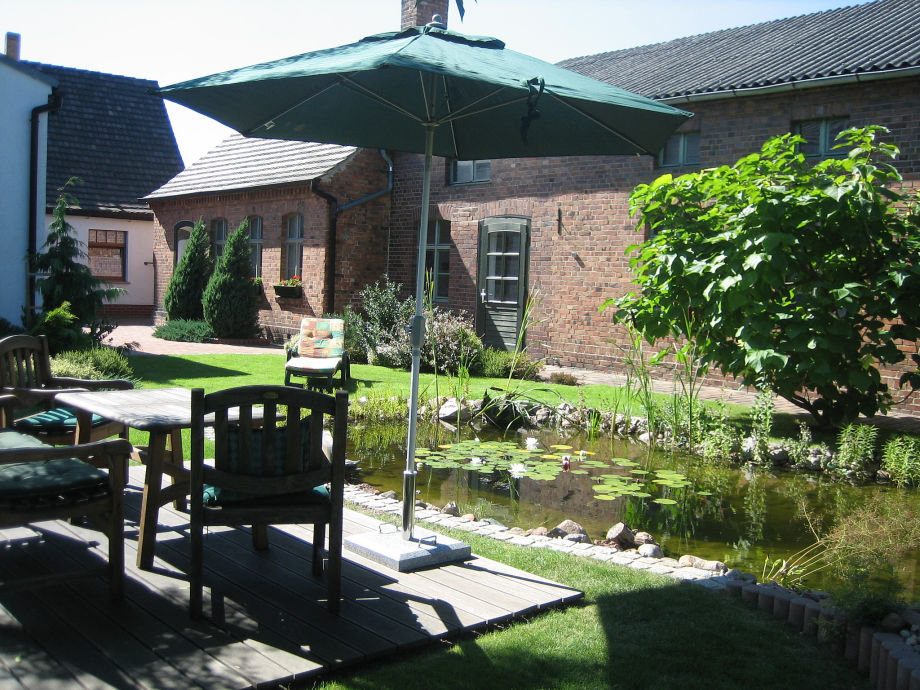 Sitzplatz am Gartenteich