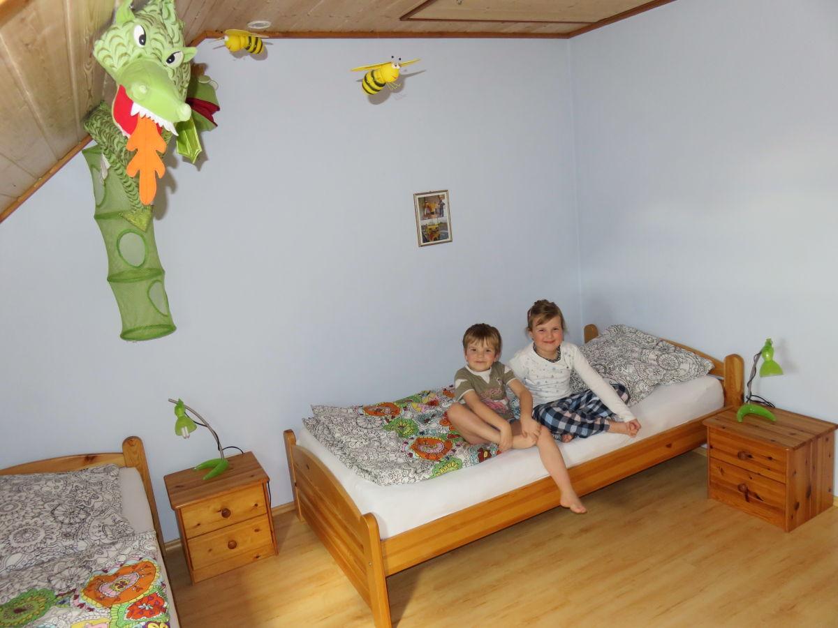 ferienwohnung auf dem ferienhof handlesbauer rettenbach schwaben familie shanna und manfred. Black Bedroom Furniture Sets. Home Design Ideas