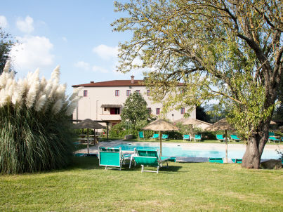 Apartment with pool, Etruscan Coast
