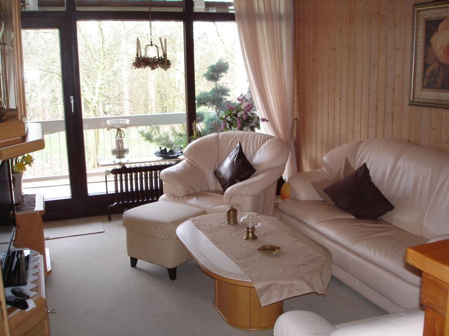 Wohnzimmer Blick zur Loggia