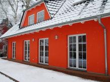 Ferienhaus am Deich in Prerow für 2-10 Personen