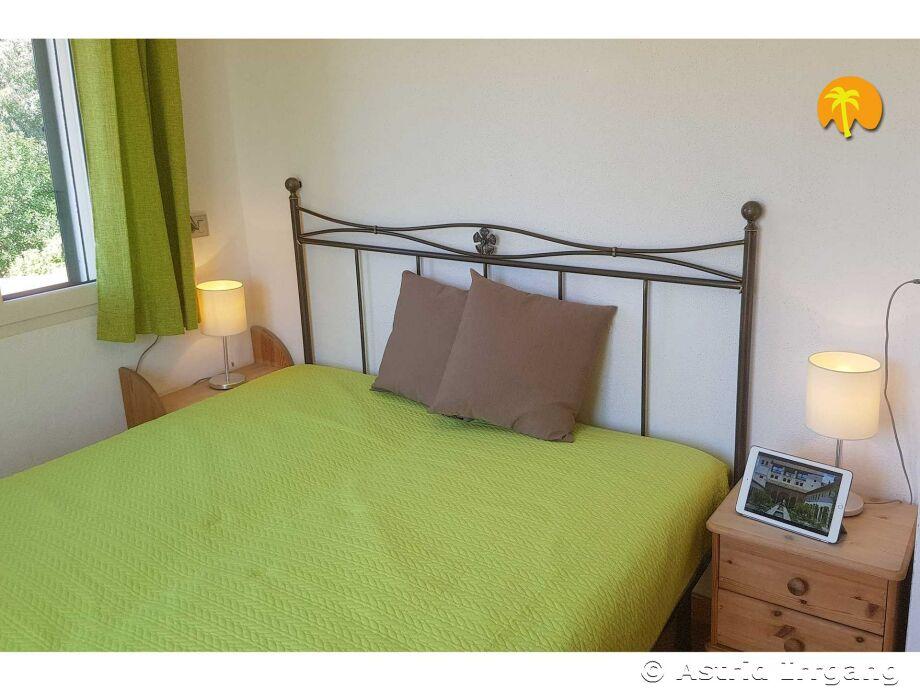 1 Schlafzimmer Mit Doppelbett, 1 Mit Zwei Einzelbetten