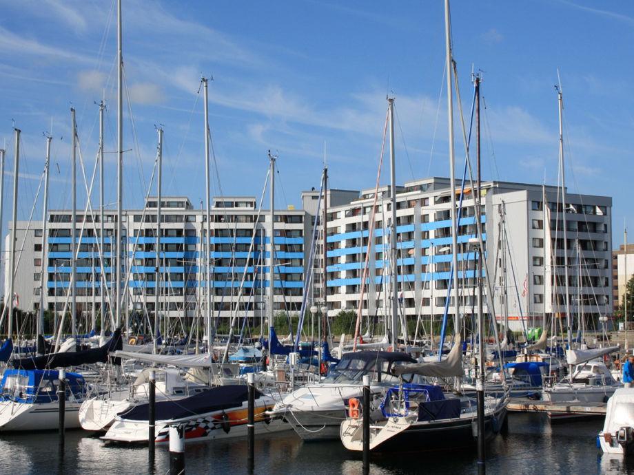 Yachthafen mit Ostsee-Residenz