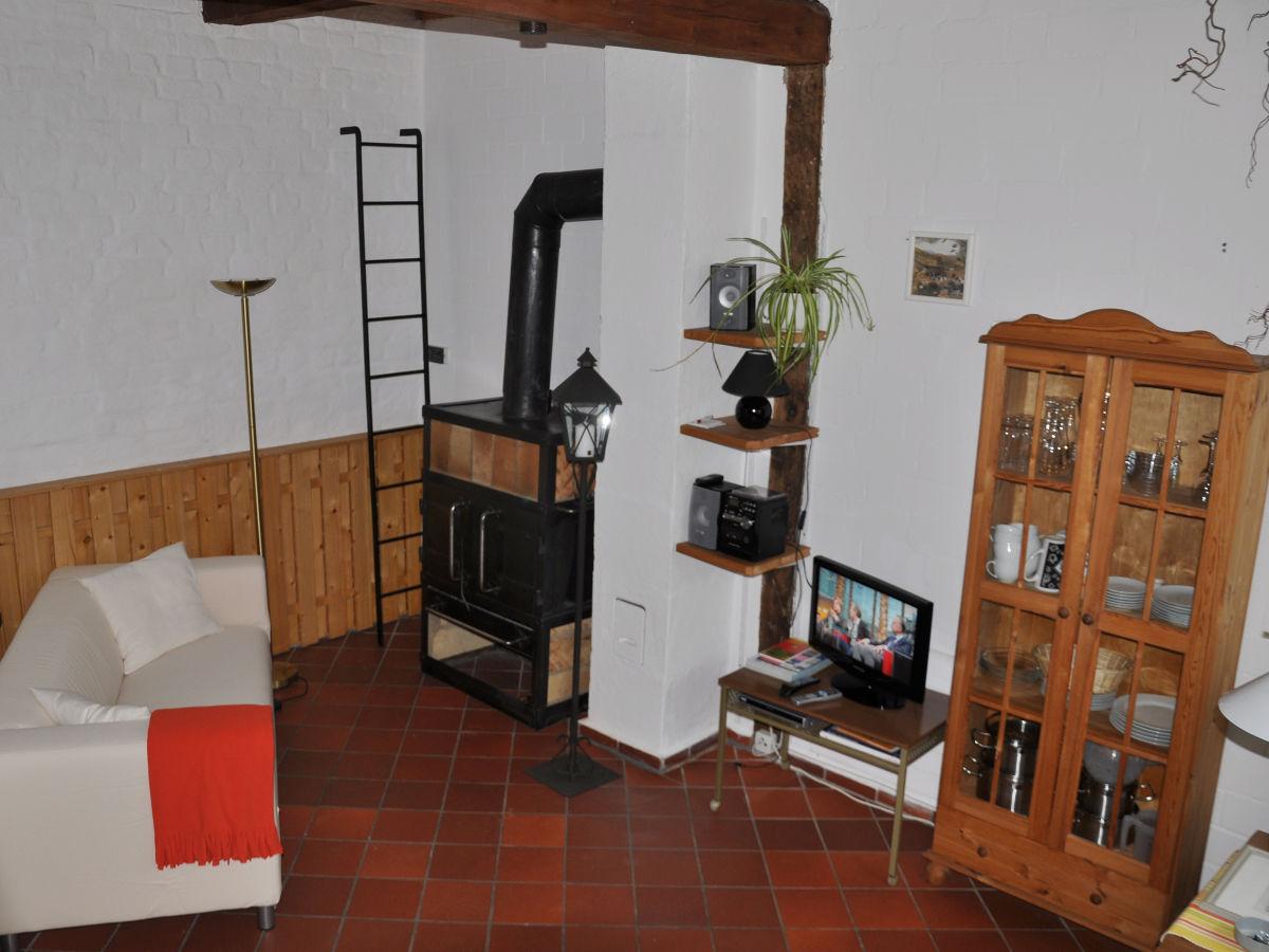 ofen wohnzimmer kosten:Ferienhaus Altstadt-Ganghaus Rosengarten, Lübeck – Frau Dagmar Stauch