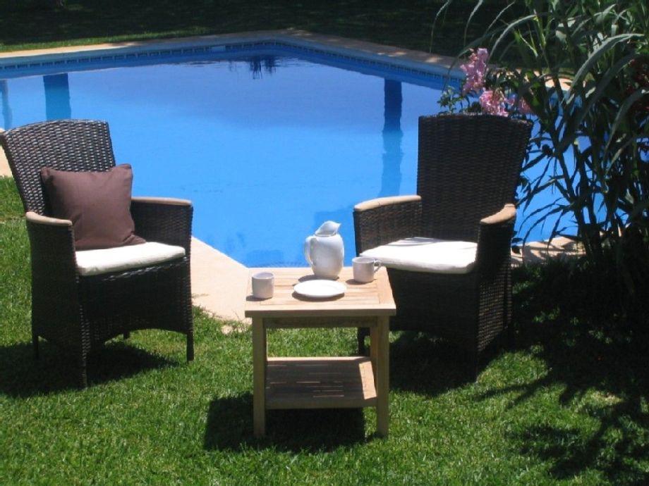 Genießen und entspannen am Pool