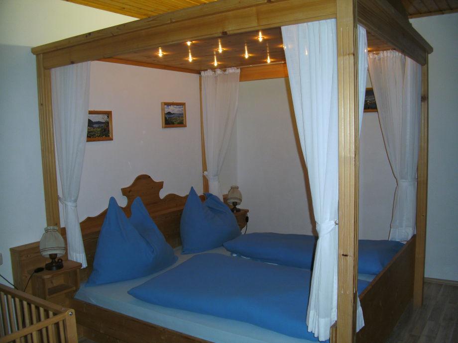 romantisches himmelbett neuesten design. Black Bedroom Furniture Sets. Home Design Ideas