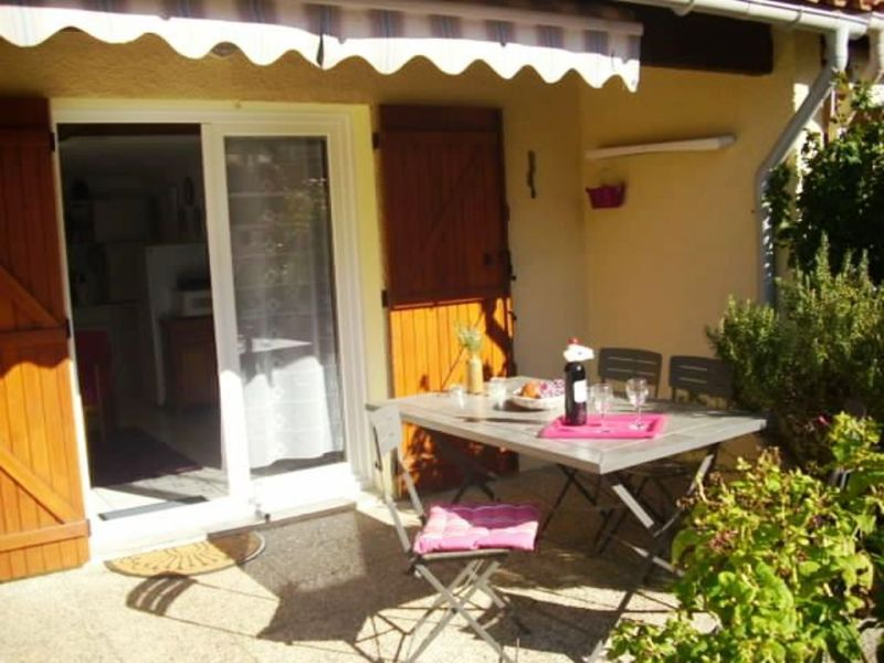 "Holiday house ""La Mer"" with 2 shower-rooms nearby the beach"