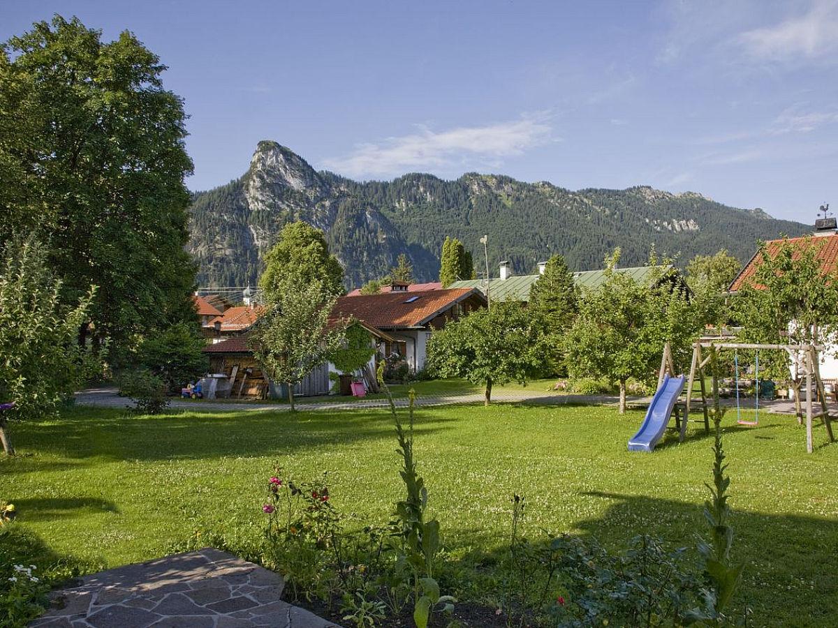 ferienhaus ambiente oberammergau oberammergau ammergauer alpen oberbayern firma. Black Bedroom Furniture Sets. Home Design Ideas