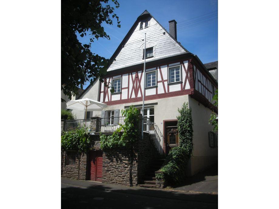 Das Winzerhaus mit Blick zur Mosel