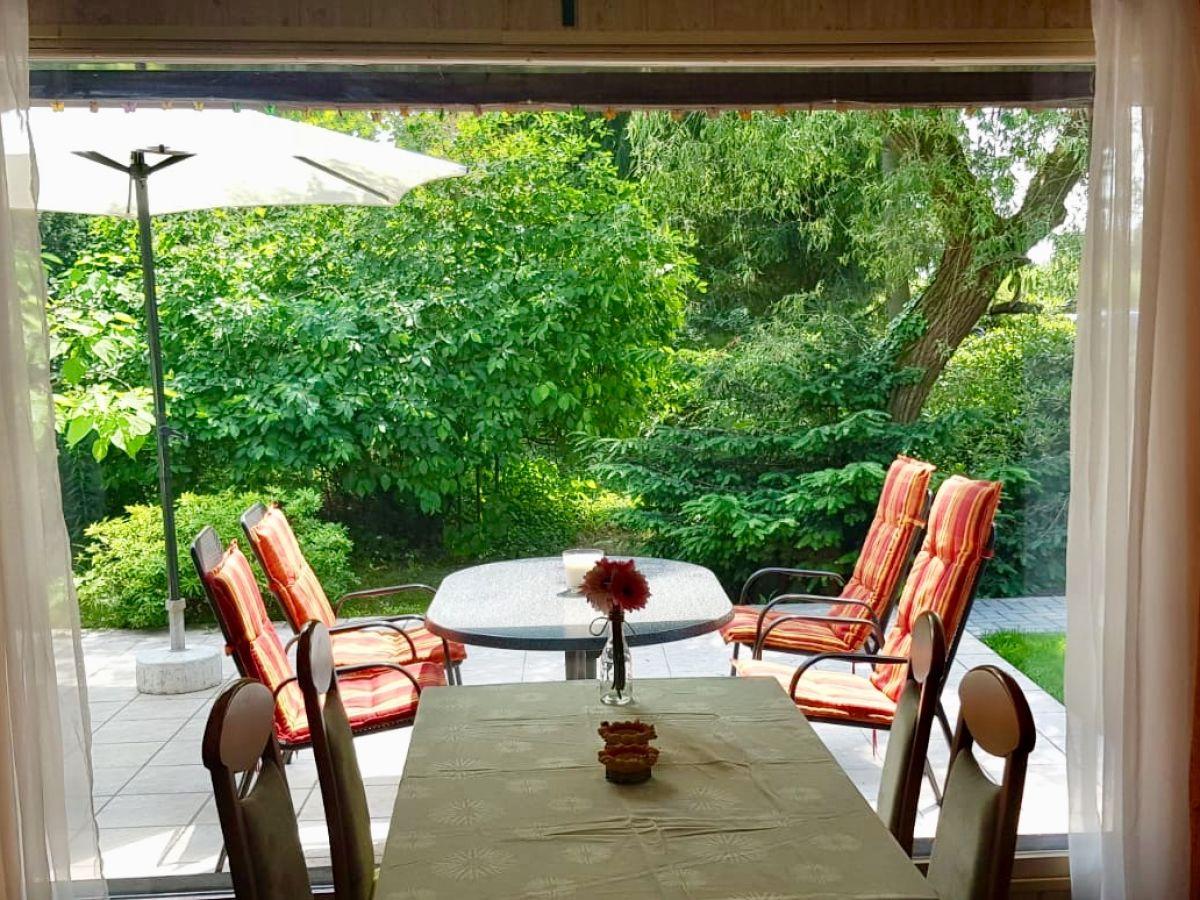 ferienhaus traum am see zeuthen frau susan bohne. Black Bedroom Furniture Sets. Home Design Ideas