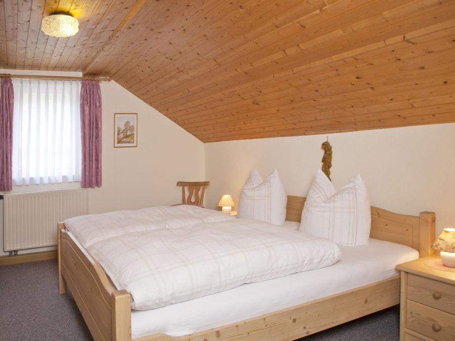 ferienwohnung winter 2 garmisch partenkirchen zugspitzland frau christa winter. Black Bedroom Furniture Sets. Home Design Ideas