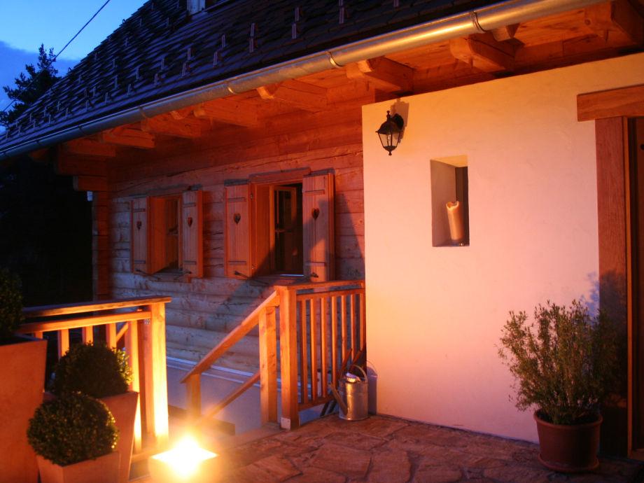 Neu errichtetes Haus mit traditionellen Werten