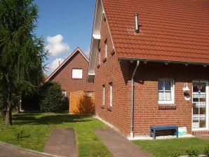 """Ferienhaus """" G E S A """"    in Hooksiel - Nähe Strand"""